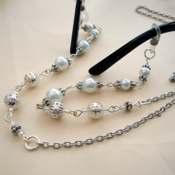Beaded glasses chain in silver & pearls vintage style GC002