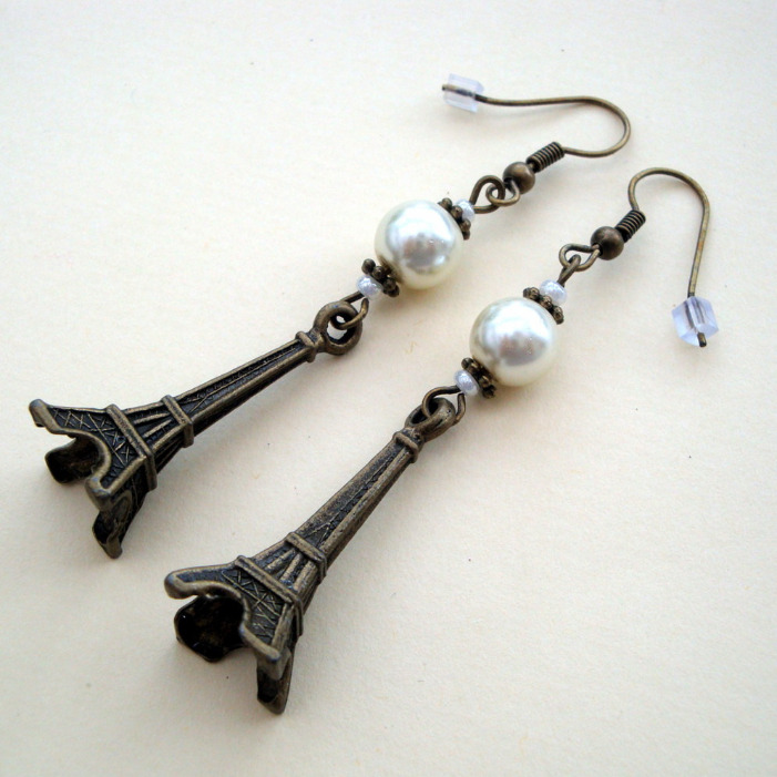 Bronze Eiffel Tower & pearl vintage style earrings VE006