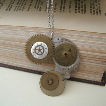 SN011 Steampunk Cogs & Gears necklace