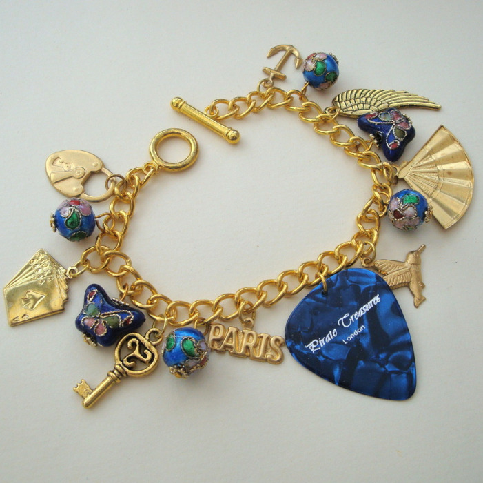 CCB045 Blue plectrum & brass charm bracelet