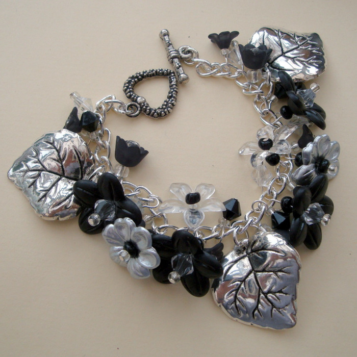 Black and Silver floral beaded charm bracelet CCB026