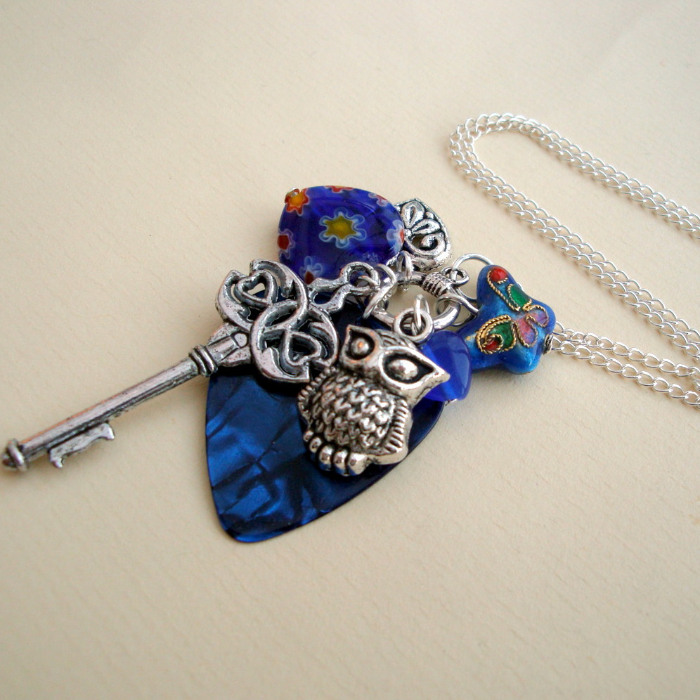 CN060 Blue and silver plectrum charm necklace