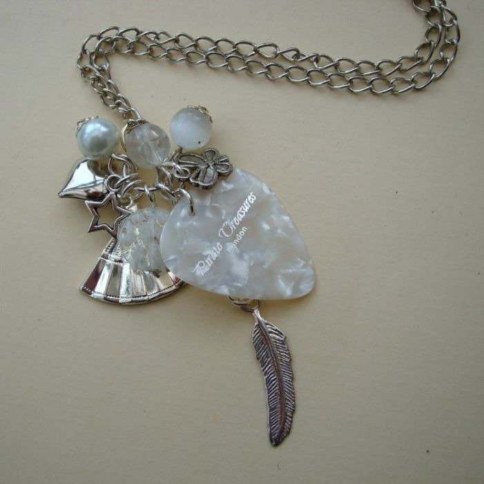 CN040 White & silver plectrum charm necklace