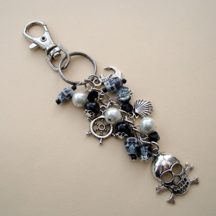 PBG036 Black & white pirate bag charm