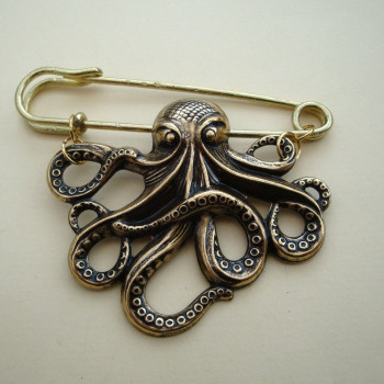 Gold octopus kilt pin brooch VKP002