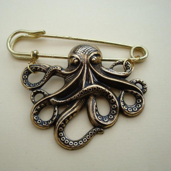 VKP002 Gold octopus kilt pin brooch