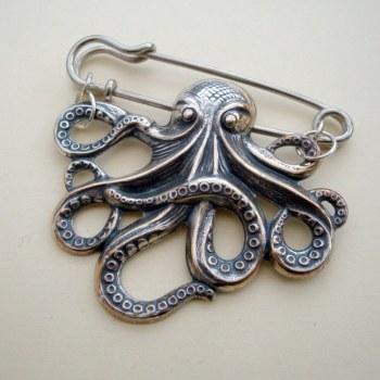 Silver octopus kilt pin brooch VKP001