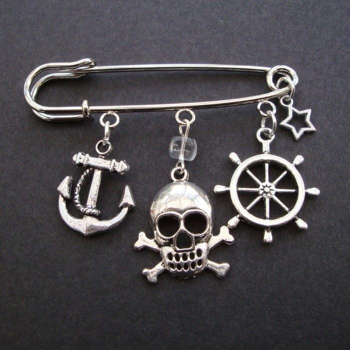 PKP004 Silver charms pirate kilt pin brooch
