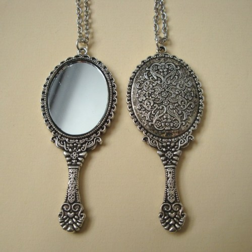 Vintage inspired silver hand mirror pendant necklace VN090