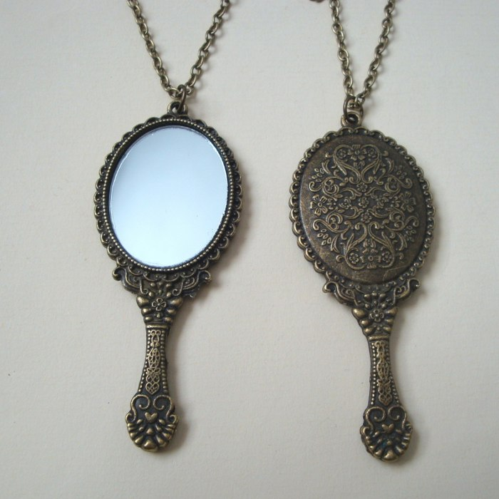 Vintage inspired bronze hand mirror pendant necklace VN091