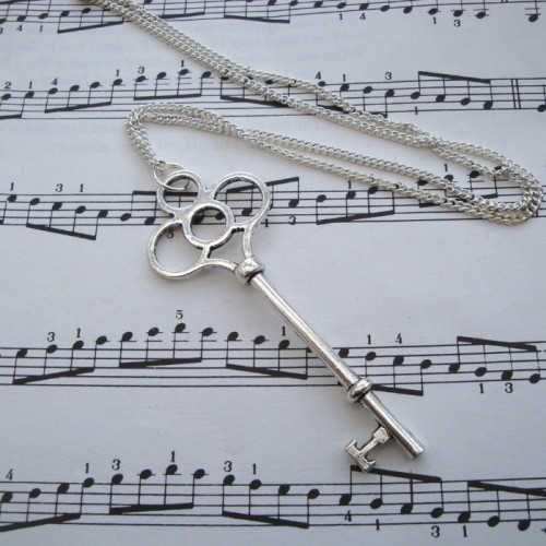 Vintage inspired key charm necklace in silver VN093