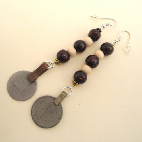Pe033 Wooden Beads Coin Pirate Earrings