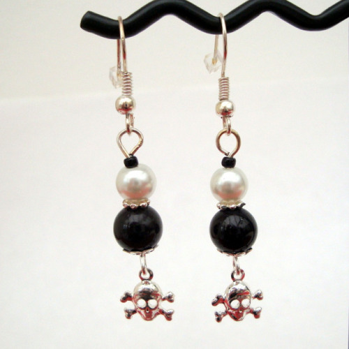 Pe029 Black White Pearl Pirate Earrings