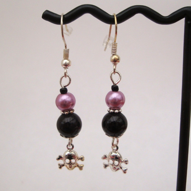 PE028 Black & lilac pearl pirate earrings
