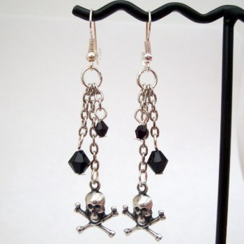 Silver skull & crossbones drop pirate earrings PE025