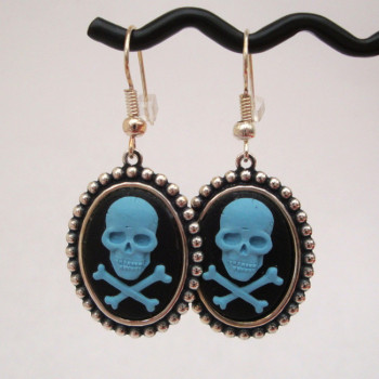 Turquoise skull & crossbones cameo earrings PE017