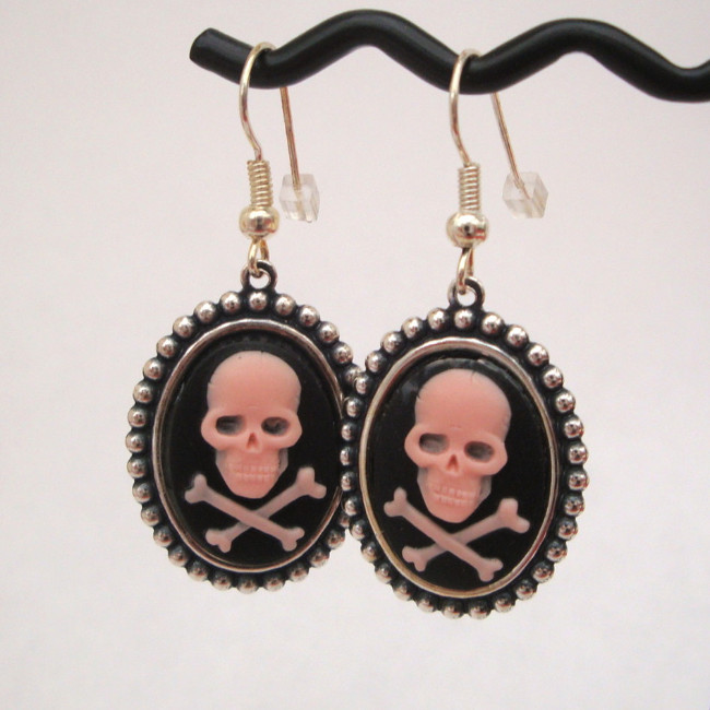 Pink skull & crossbones cameo earrings PE015