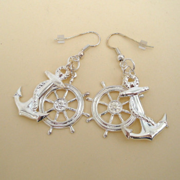 Silver anchor & wheel pirate earrings PE008