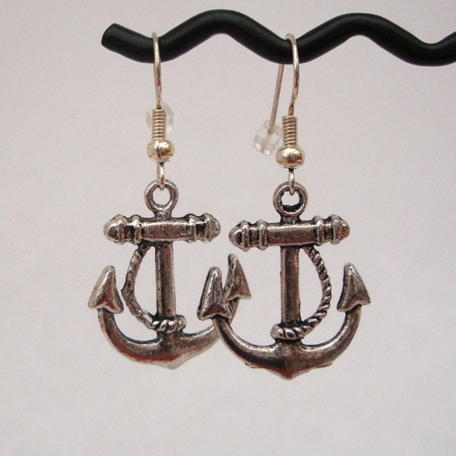 PE005 Silver anchor pirate earrings