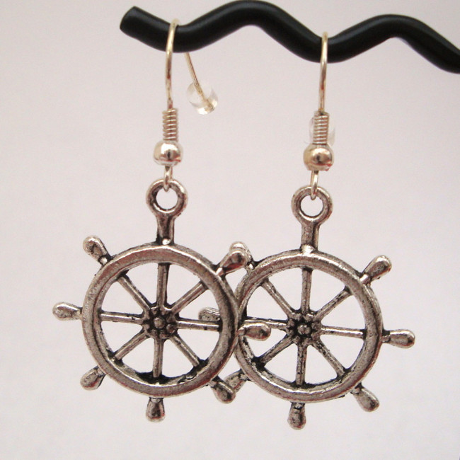 Silver pirate ships wheel earrings PE004