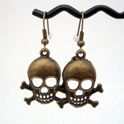 PE003 Antique bronze skull & crossbones earrings