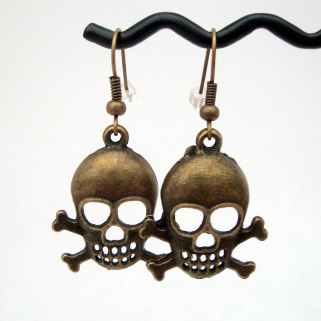 Antique bronze skull & crossbones earrings PE003