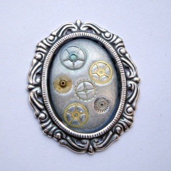 SBR001 Steampunk vintage watch cogs & gears brooch