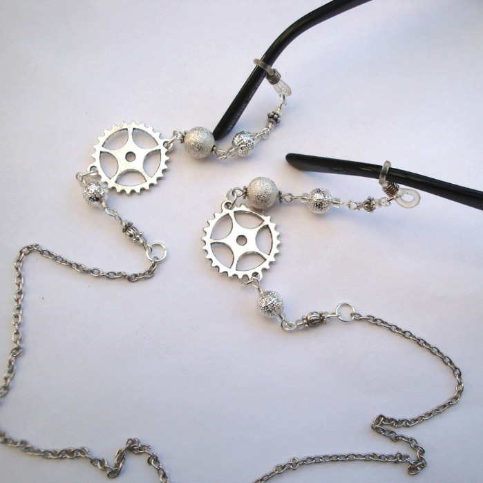Beaded Steampunk glasses chain in silver GC007