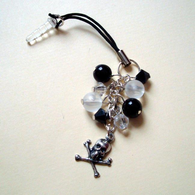PPC007 Pirate skull & crossbones beaded phone charm dust plug