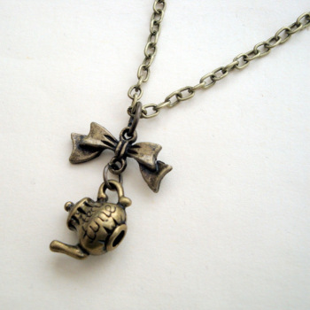 Bronze teapot charm necklace vintage kitsch style VN112
