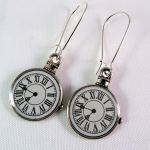 se041 clock charm earrings pic2