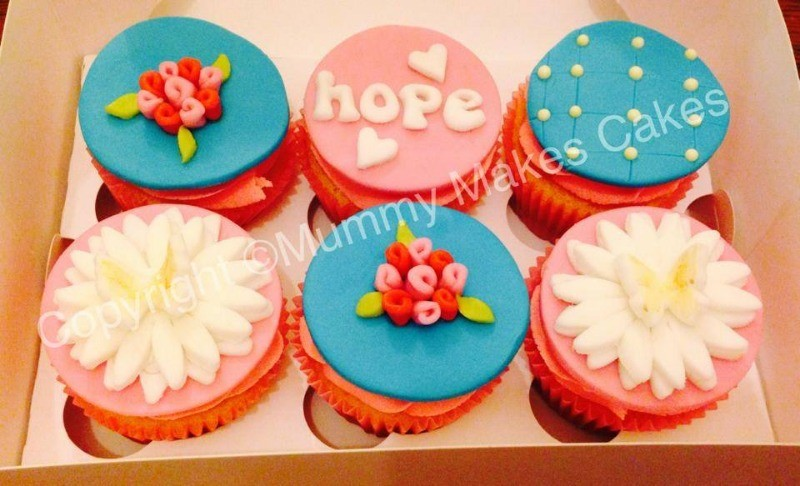 vintage breast cancer cupcakes2