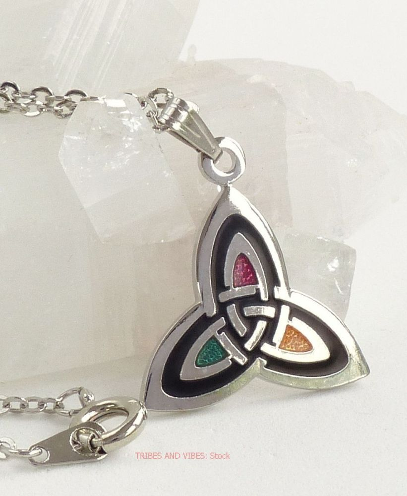Triquetra Celtic Trinity Knot Necklace silver plate (stock)