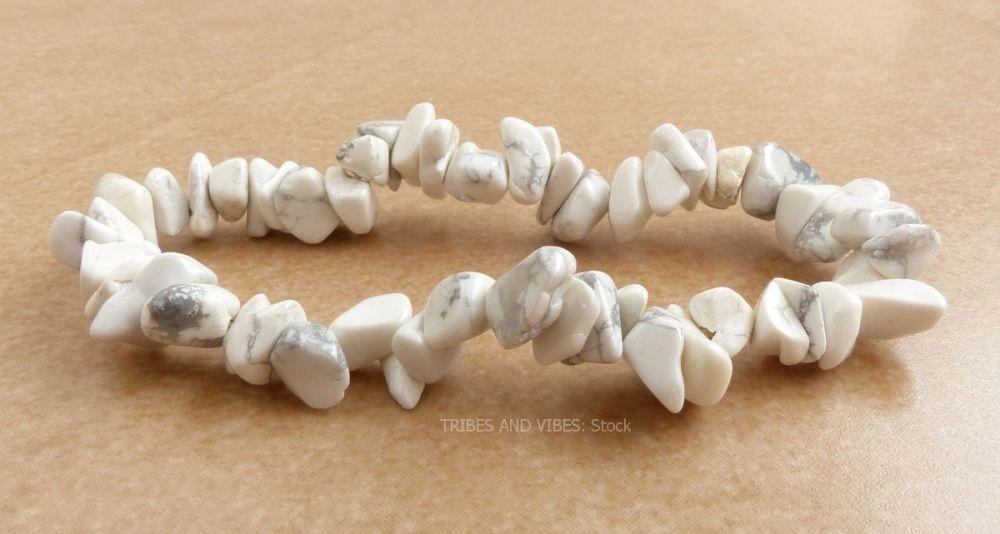 Howlite Bracelet Crystal Chips (stock)