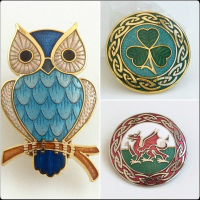 <!--12-->Brooches