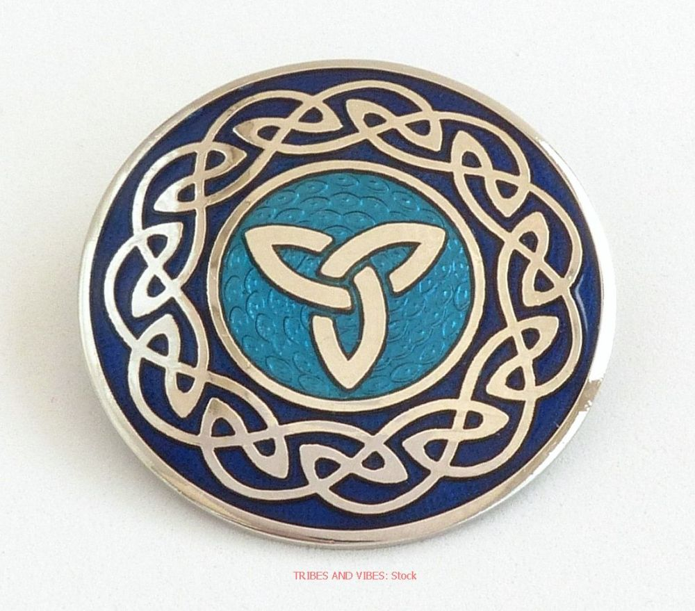 Triquetra Celtic Knotwork Brooch, 2-tone Blue
