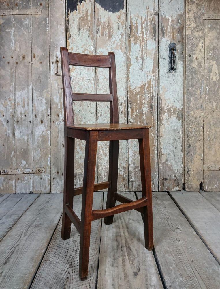 Georgian correction chair