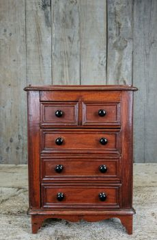 Table top chest of drawers
