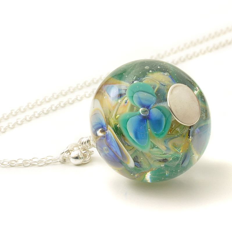 (WS) Floral Glass Globe Necklace