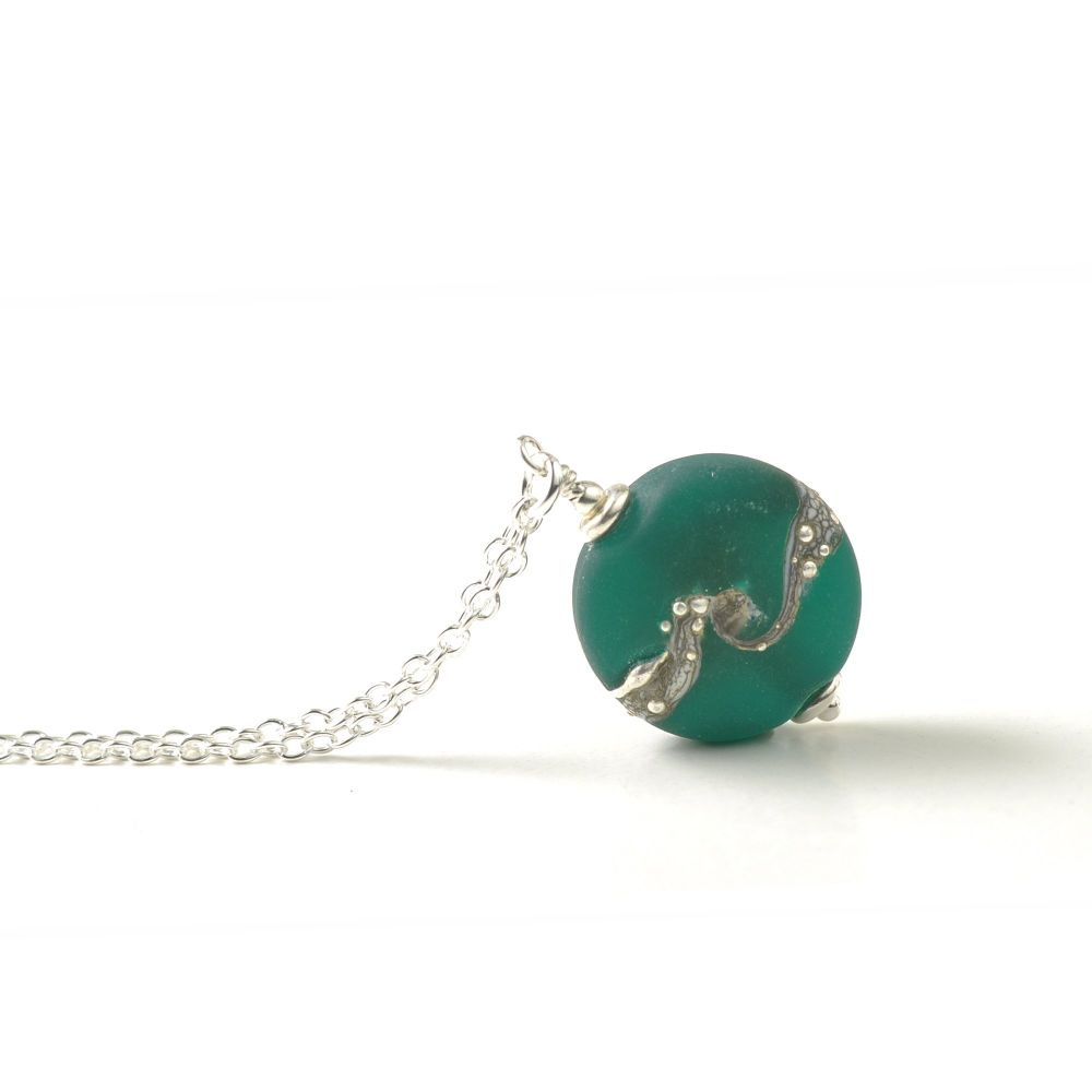 Emerald Green Twisted Silver Button Necklace - Small