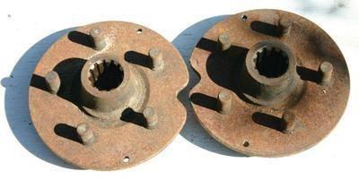 Rear Wheel Hub Including Studs - '70 >