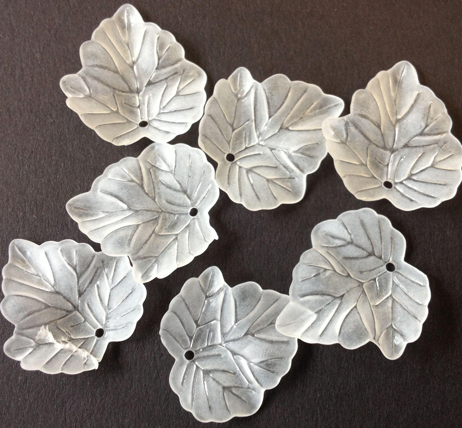 Leaves 32 'Lucite' transparent Acrylic Beads, white 22.5mm