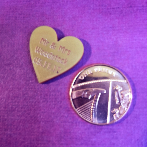 50 Personalised Mr & Mrs Love Hearts Metallic Gold Acrylic