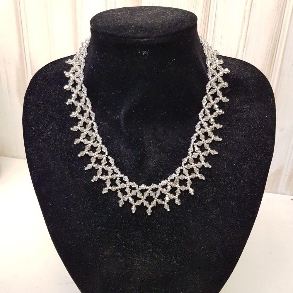 Interweave necklace