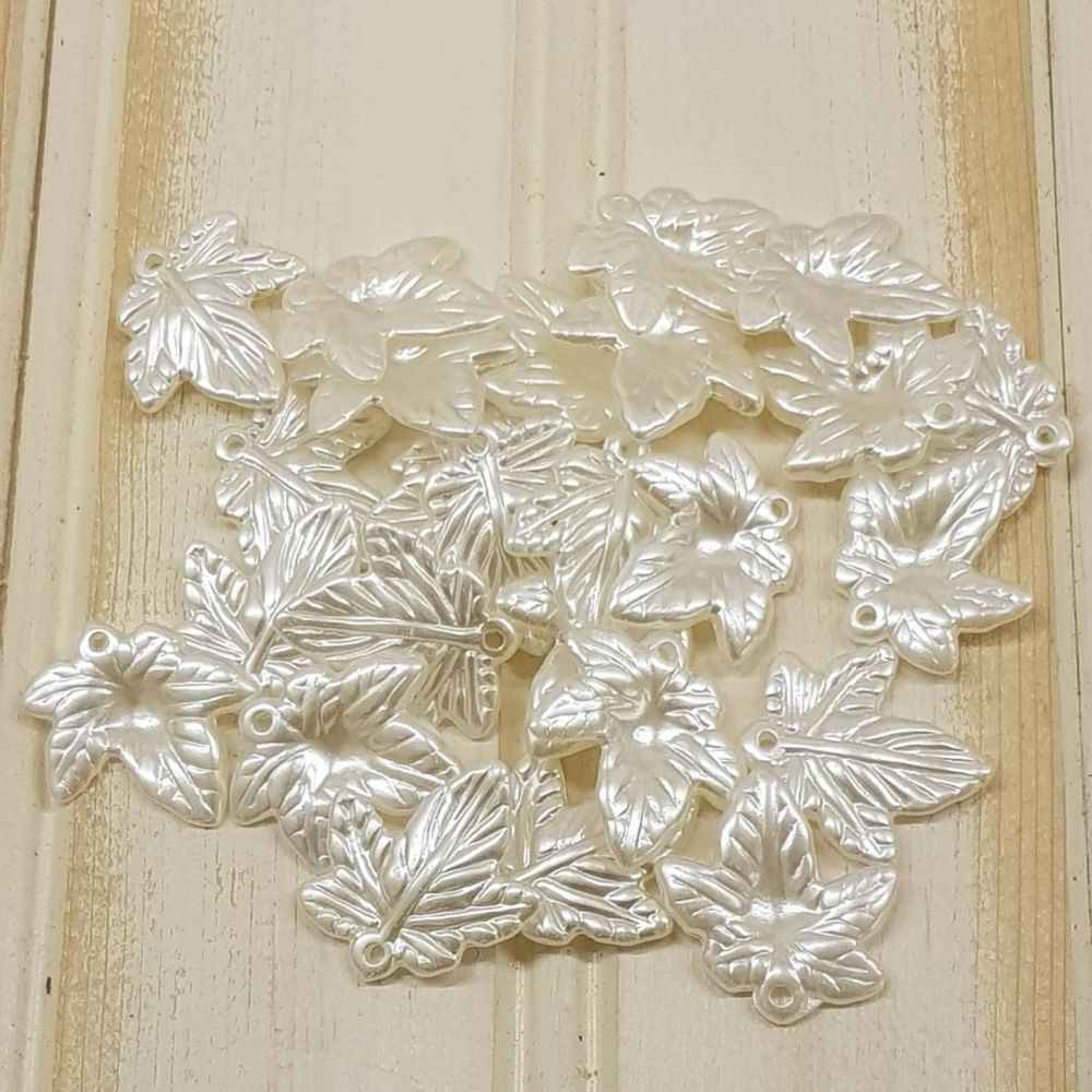L7 Leaf  pendants ivory imitation pearl beads