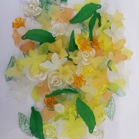 F8 Spring lucite flower and leaf mixed size mix