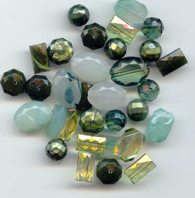 Large Acrylic Faceted Beads Green
