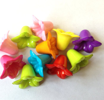 F1 Flowers 'Lucite' opaque Acrylic Beads