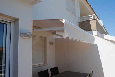 1roller awning