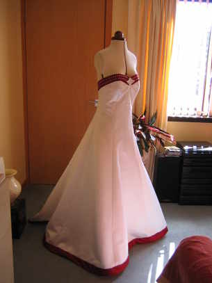 wedding white gown with red band 005